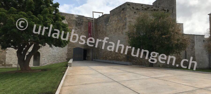 SIcht auf die Festungsmauer von Bari