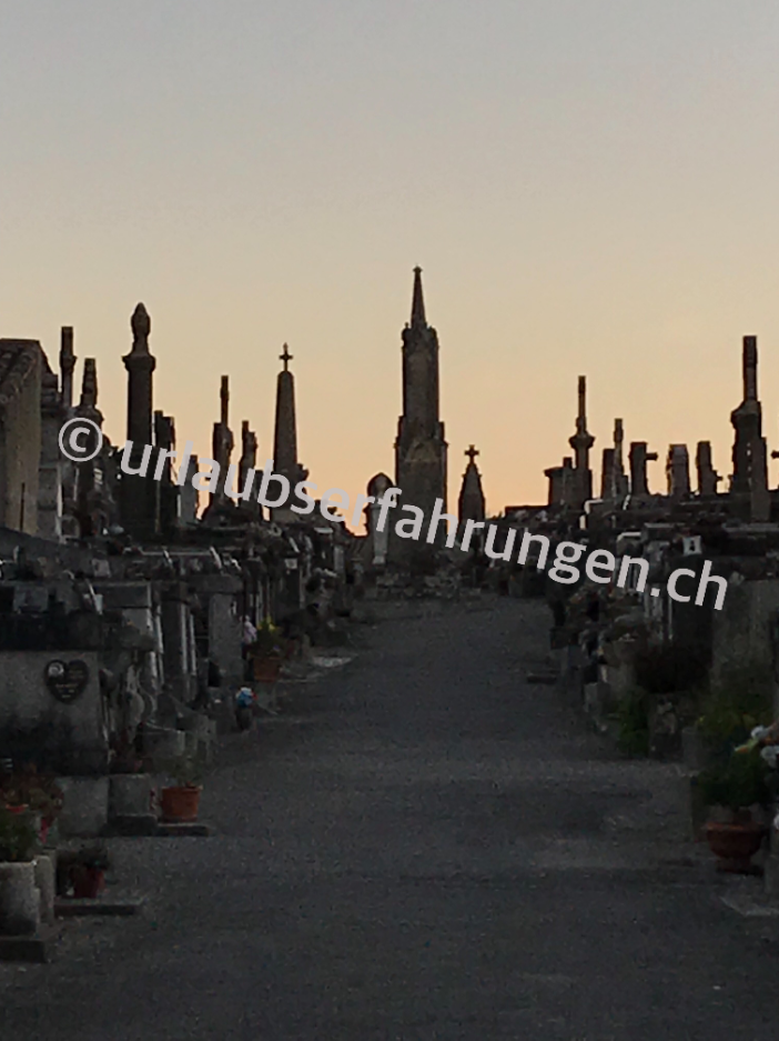 Blick in den Friedhof von Carcassonne